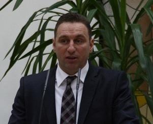 GABI ZAGREAN mic