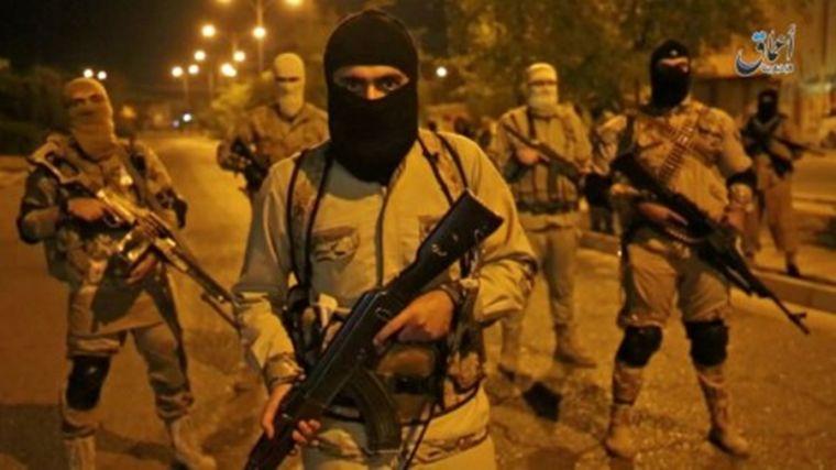 O familie crestina a fost la citeva momente distanta de a fi decapitata de calaretii de stat Islamici cind au fost salvati de lunetistii SAS.
