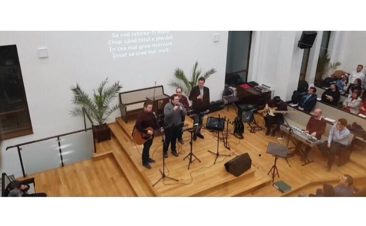 Acum live video: Evanghelizare la Sfanta Treime Beclean cu Messis si Relu Modovan