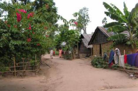 Sărăcie lucie într-un sat uitat de lume (dar nu și de Dumnezeu)