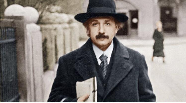 Aceasta este dovada lui Albert Einstein că Dumnezeu există! Toată lumea trebuie să citească asta