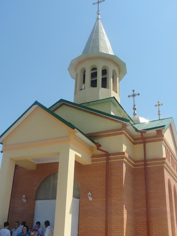 Vești proaste pentru românii din Ucraina: bisericile românești nu vor mai putea sluji în limba română