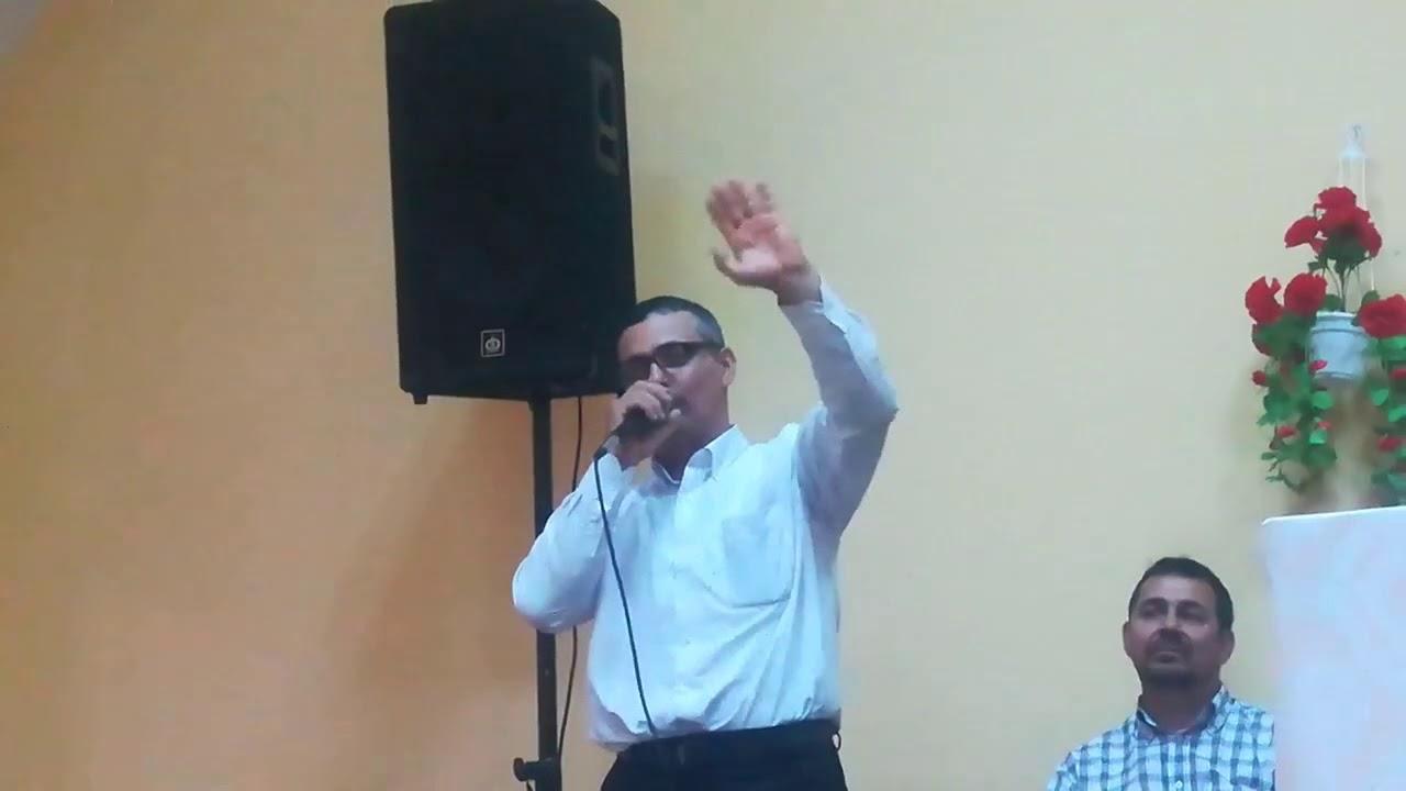 Fost interpret de muzică lăutărească, acum cântă muzică creștină în Biserică