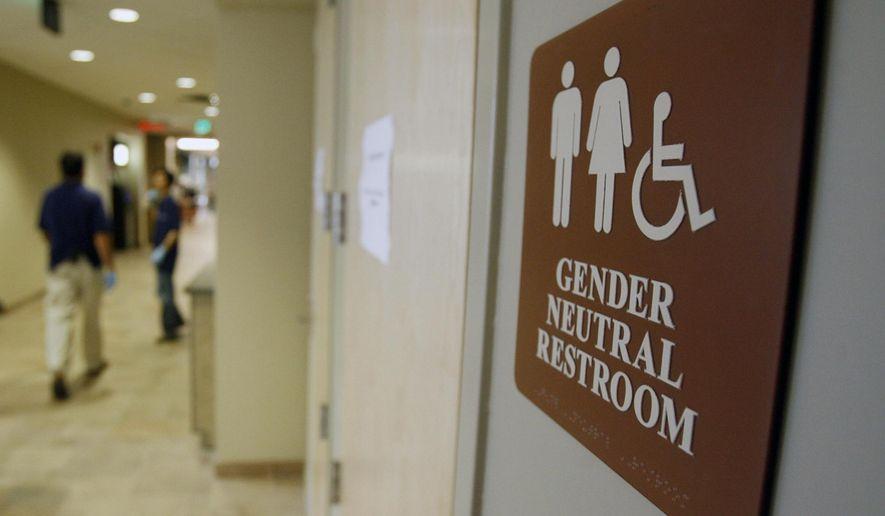 """Profesor creștin sancționat pentru că a refuzat să spună EA unui student transgender. Acuzația: """"a creat un mediu OSTIL pentru student"""""""