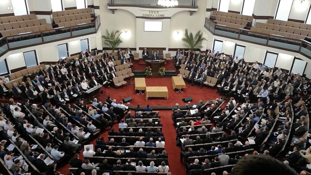 Acum are loc Congresul Electiv a Cultului Penticostal.(Se alege conducerea Cultului Crestin Penticostal)  Nu se transmite live‼️