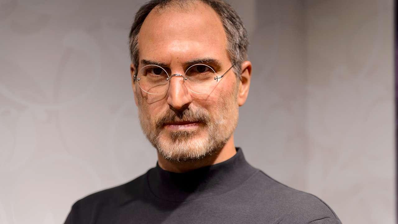 """Steve Jobs: """"Mă bucur că nu am sfârșit într-un avort"""""""