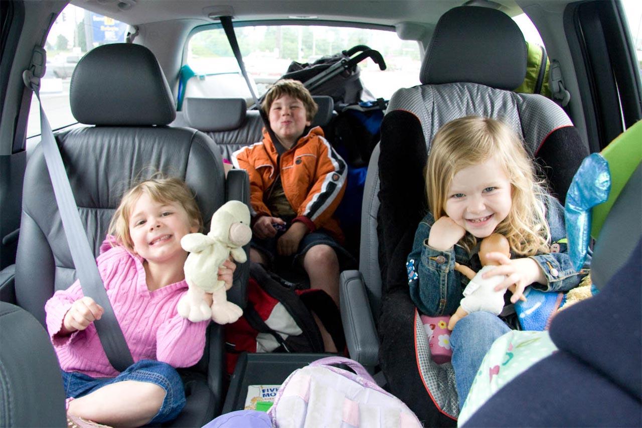 Creșterea copiilor este o misiune a ambilor părinți – pastor Ioan Bădeliță