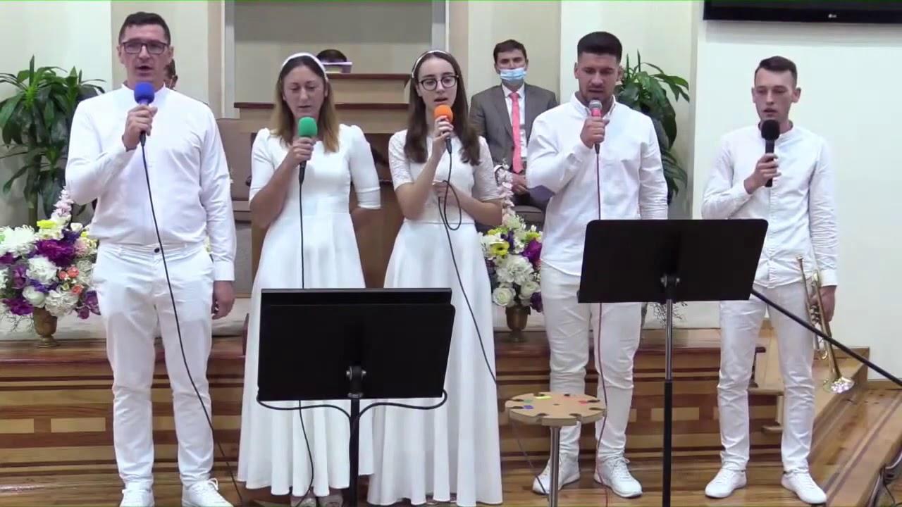 "Candidati botez Betania Jebel canta ""Maretul Har m-a mantuit"""