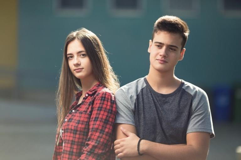CCR a decis că predarea educației sexuale în școli se face obligatoriu cu acordul părinților