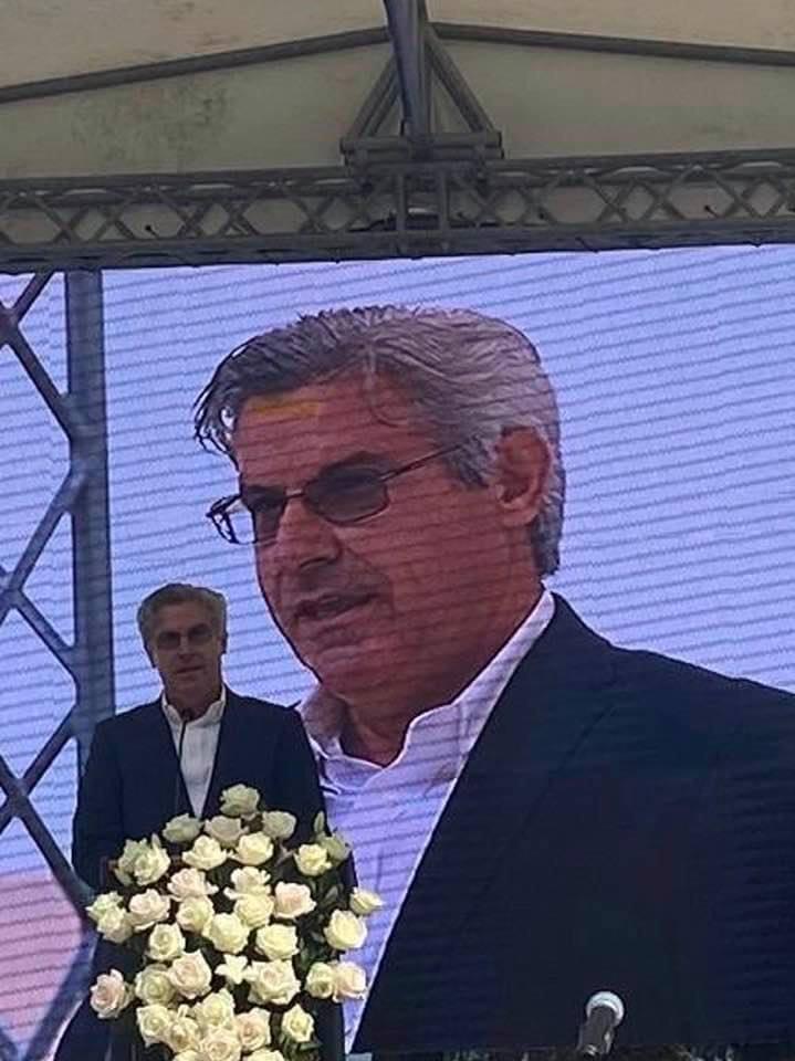 Petru Hututui: STRÂNS DIN DOUĂ PĂRȚI
