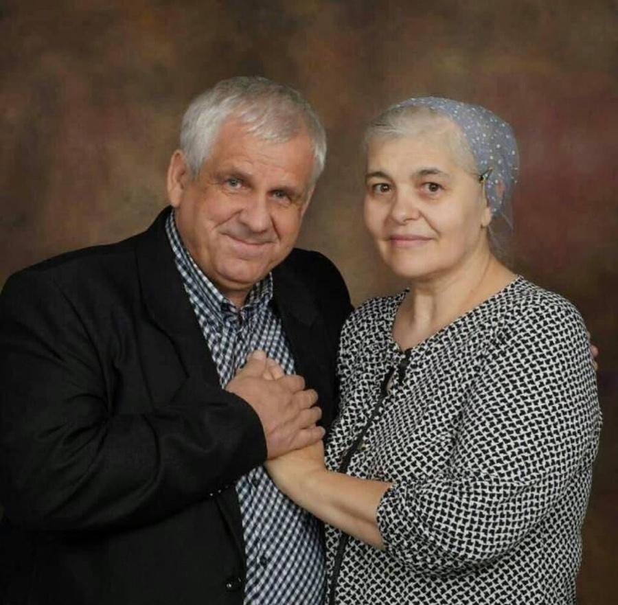 Să ne rugăm pentru pastorul Mitică Huțan ce este internat în spital. Dumnezeu să dea izbăvire!